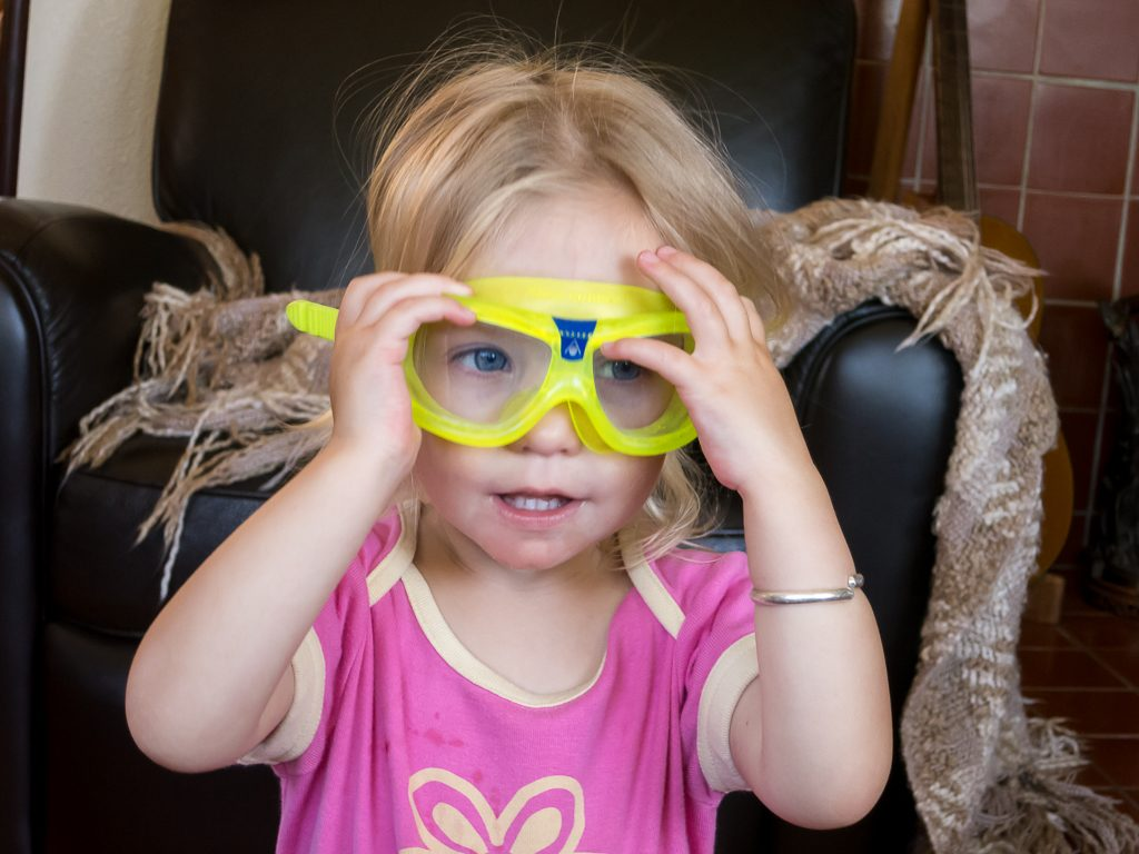 Addison can wear goggles too...